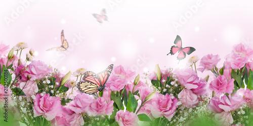 Keuken foto achterwand Bloemen A bouquet of delicate pink roses, summer flowers. Floral background. Eustoma.