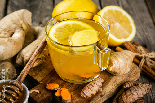 Fototapeta Fall immune system booster - ginger and turmeric tea and ingredients obraz