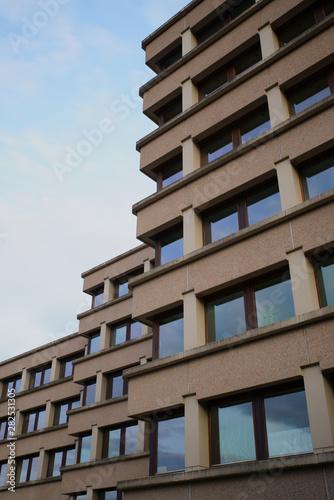 Foto auf AluDibond Darknightsky Rathaus Siegen Geisweid