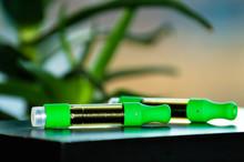 Cannabis Oil Cartridges For Vaping. THC CBD Oil.