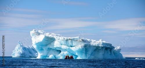iceberg en péninsule antarctique Canvas Print