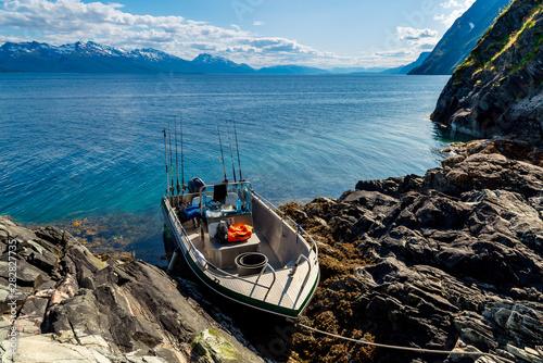 Foto auf AluDibond Nordeuropa Fishing boat at sea. Norwegian Fjords. Powerboat