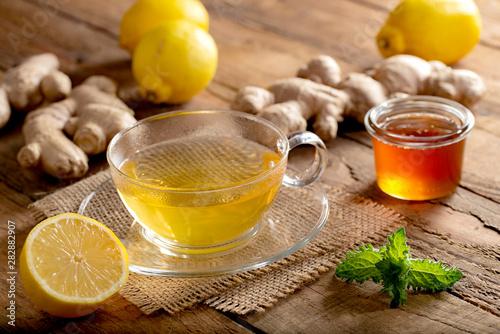 Fényképezés  Heißer Ingwer-Zitronen-Tee