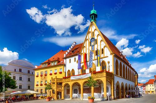 Gotisches Altes Rathaus von Amberg in der Oberpfalz, Bayern Wallpaper Mural