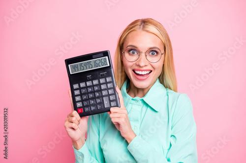 Fotografía Close up photo of impressed manager holding calculator show statistics scream wo