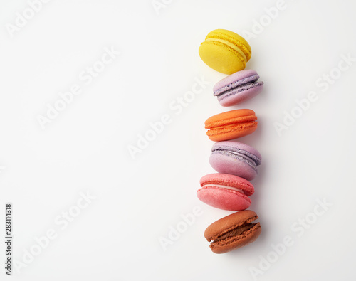 Montage in der Fensternische Macarons stack of colorful baked macaron