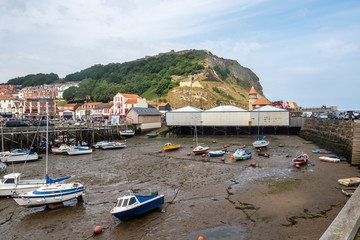 Fototapeta na wymiar Scarborough is the original seaside resort; stunning scenery, glorious beaches, loads to see and do – is it any wonder that people have been flocking to Scarborough for nearly 400 years now