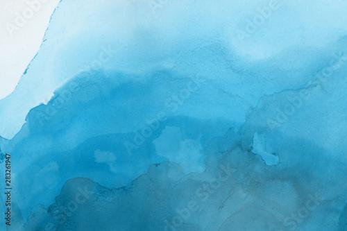 akwarela-niebieska-malowana