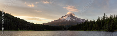 Valokuva  Beautiful Panoramic Landscape View of Mt Hood during a dramatic cloudy sunset