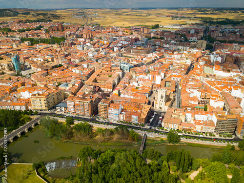 mata magnetyczna Aerial view on the city Palencia. Spain