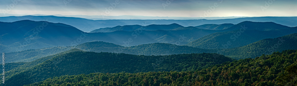 Fototapety, obrazy: View of Blue Ridge Mountains (near) and Appalachian Mountains (distance) from overlook on Skyline Drive in Shenandoah National Park, Virginia, USA, in late September.