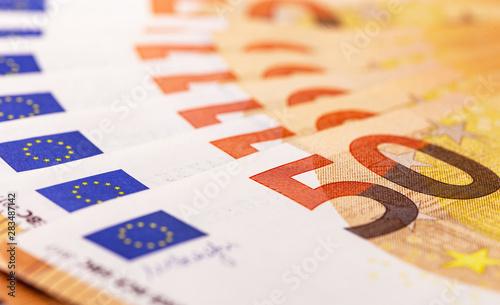 Pinturas sobre lienzo  closeup macro fifty euros bankontes background