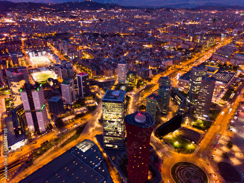 Photo sur Toile Europe Centrale Aerial view of Barcelona at twilight