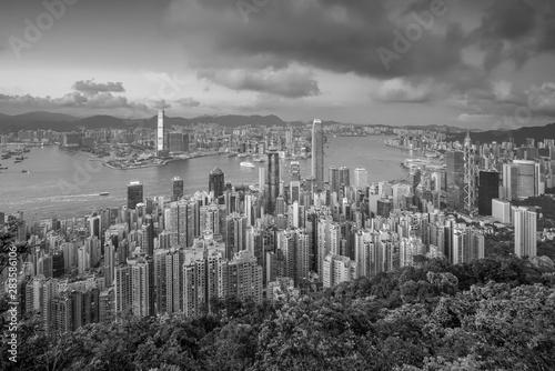 Spoed Fotobehang Begraafplaats Panoramic view of Victoria Harbor and Hong Kong skyline