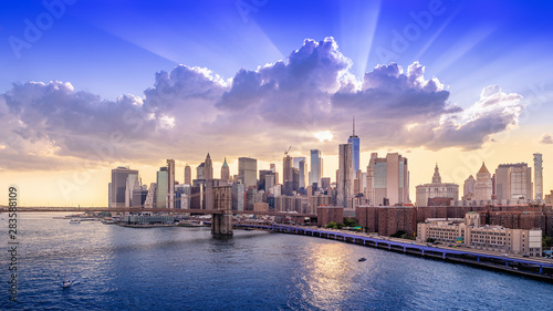 Wall Murals New York panoramic view at manhattan while sunset