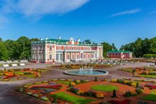 Baroque Kadriorg Palace Built ...