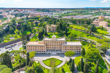 Aerial View Of Palace Of The G...
