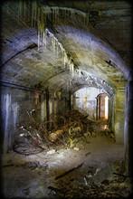 Müll Sammelt Sich In Einem Verlassenen Bunker