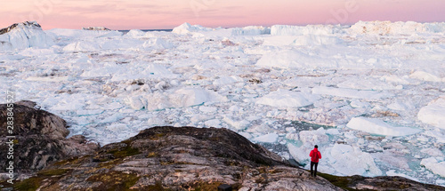 Cuadros en Lienzo Global warming - Greenland Iceberg landscape of Ilulissat icefjord with giant icebergs