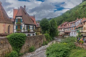 Fototapeta na wymiar Wunderschöne Erkundungstour durch das malerische  Elsaß Lothringen in Frankreich. - Elsaß-Lothringen/Frankreich.