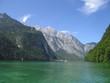 Königssee mit hohen Bergen