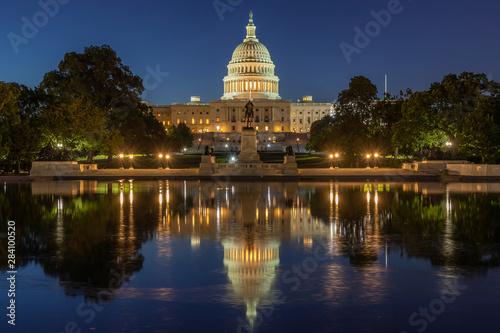 Obraz na plátne  US Capitol building in Washington DC