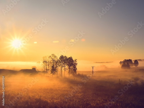 fototapeta na ścianę Wschód słońca. Warmia, Polska
