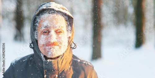 Cuadros en Lienzo Fun portrait of an young frozen man