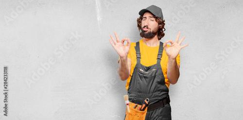 Fotografía  handyman worker satisfied and proud