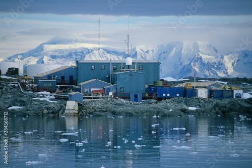 Valokuvatapetti Antarctica, Anvers Island, Antarctic Peninsula, Palmer US Research Station