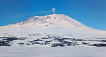 Mount Erebus, Antarctica. Pano...
