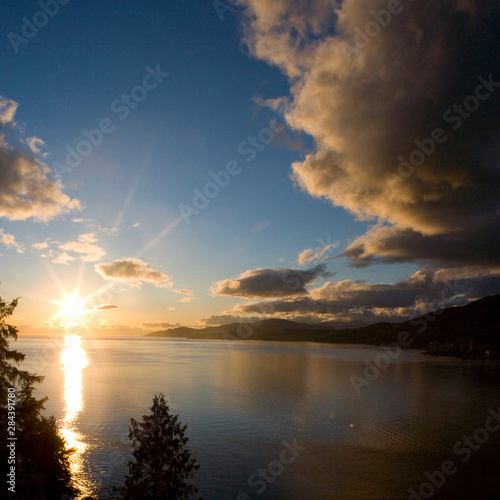 NA, Canada, BC, Vancouver, Sunset over Burrard Inlet and English Bay, from Stanley Park