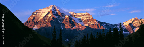 Canada, British Columbia, Mt Robson Wallpaper Mural