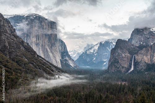 Tunnel View Yosemite Wallpaper Mural