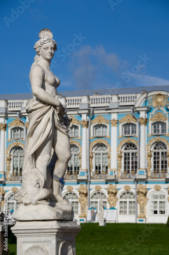 Fotobehang Historisch geb. Russia, St. Petersburg, Catherine's Palace (aka Bolshoi Yekaterinsky Dvorets). Palace view from gardens.