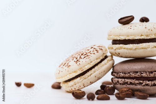 Foto auf AluDibond Macarons Few colored macarons on a white background