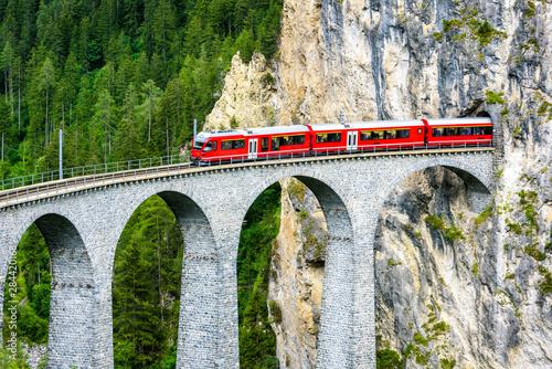 Fotomural  Landwasser Viaduct in Filisur, Switzerland