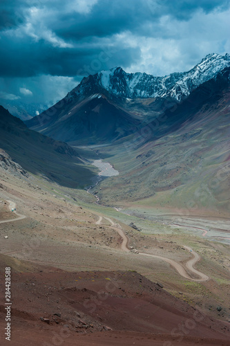 Photo Mountain pass between Mendoza and Santiago, Andes, Argentina, South America