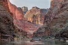 Rafting The Colorado River Thr...