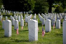 USA, VA, Arlington. Gravestone...