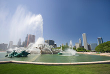 USA, Illinois, Chicago. Clarence Buckingham Memorial Fountain In Grant Park.