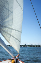 Sailing In The Chesapeake Bay ...