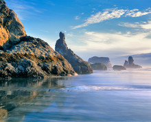 USA, Oregon, Face Rock Wayside. The Pacific Ocean Baths The Sea Stacks At Face Rock Wayside, Bandon Area, Oregon.