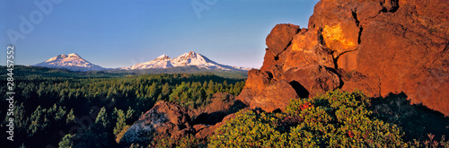 Fototapeta USA, Oregon, Three Sisters. Three Sisters take on a pink hue at sunrise, Cascades Range, Oregon. obraz