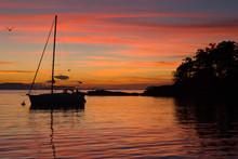 USA, WA, San Juan Islands. Shallow Bay, Sucia Island Renown For Dramatic Sunsets