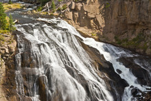 Gibbon Falls, Gibbon River, Yellowstone National Park, Wyoming, USA