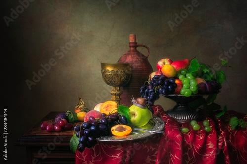 Fotografía  Still life with fruits in Baroque style