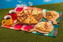 ミックスピザ Mix Pizza...