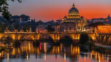 Tramonto Infuocato Sul Tevere Con Vaticano