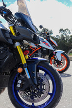 Motos Yamaha MT10 Vs KTM Duke ...